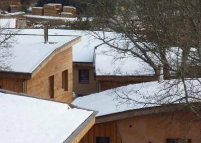 depierresetdebois-hameaudesbuis13-maison-bois-paille-toiture