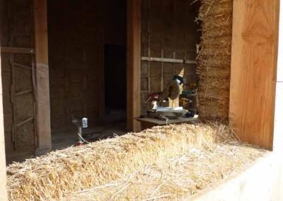 depierresetdebois-hameaudesbuis14-paille-appui-fenetre