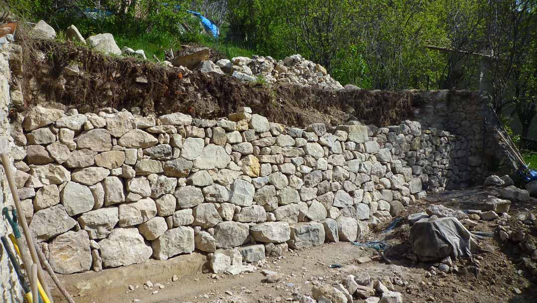 Mercantour mur de sout nement en pierre s che de pierres et de bois - Mur soutenement pierre ...