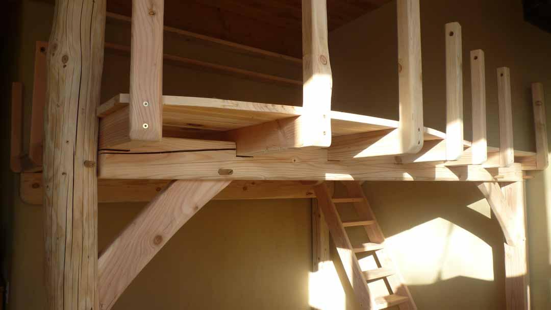 Mezzanine : structure bois intérieure sur poteaux