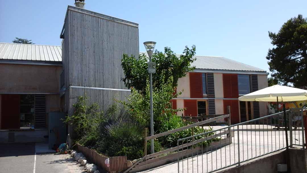 Cours école Montessori - isolation paille