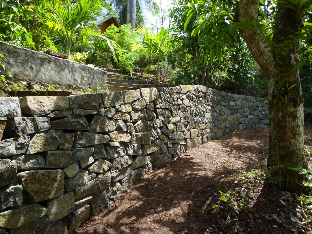 Mur en pierre sèche Martinique