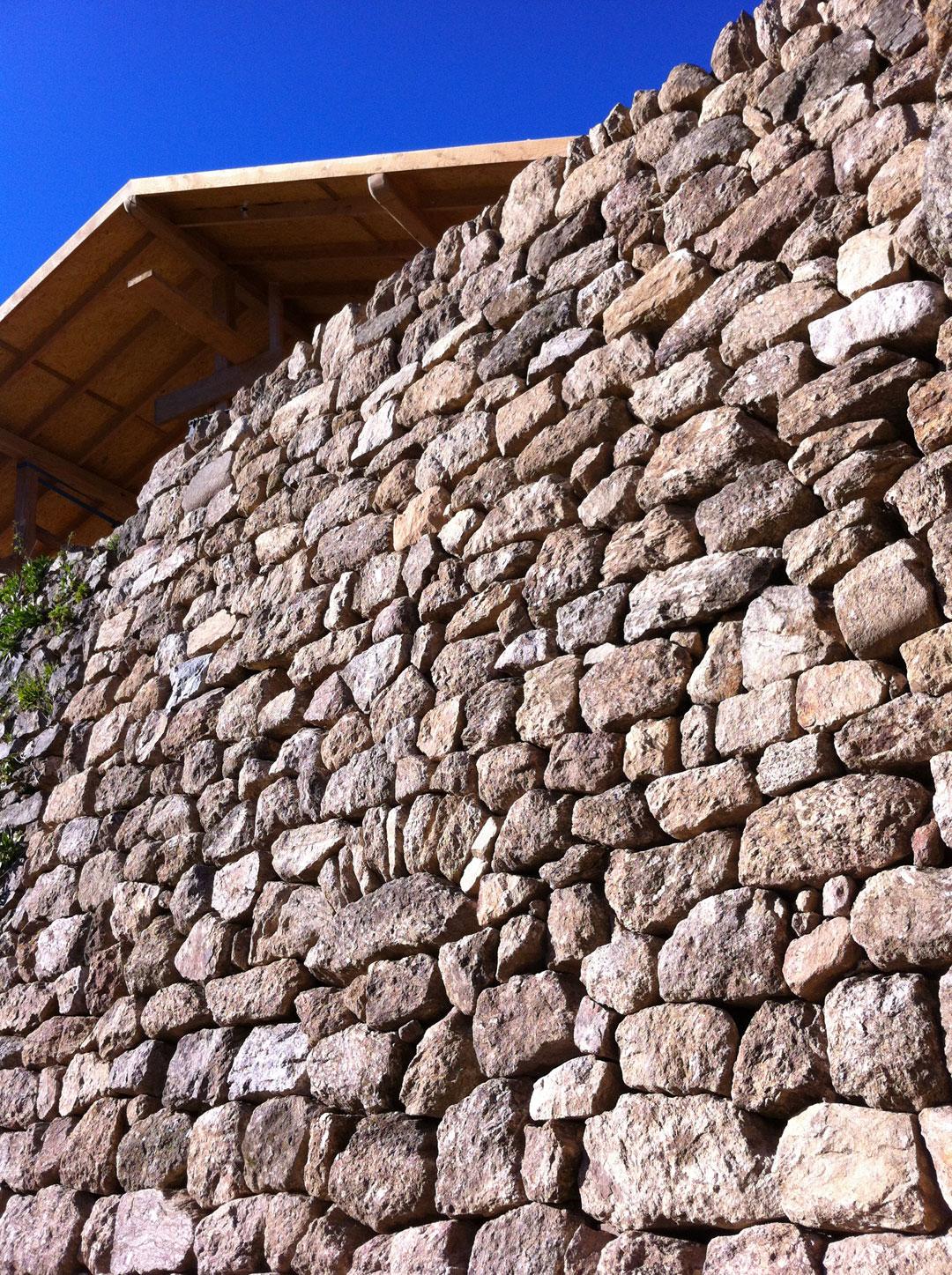Mur pierre sèche - La Boule