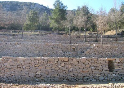 depierresetdebois-rians01-mur-restanque-calcaire