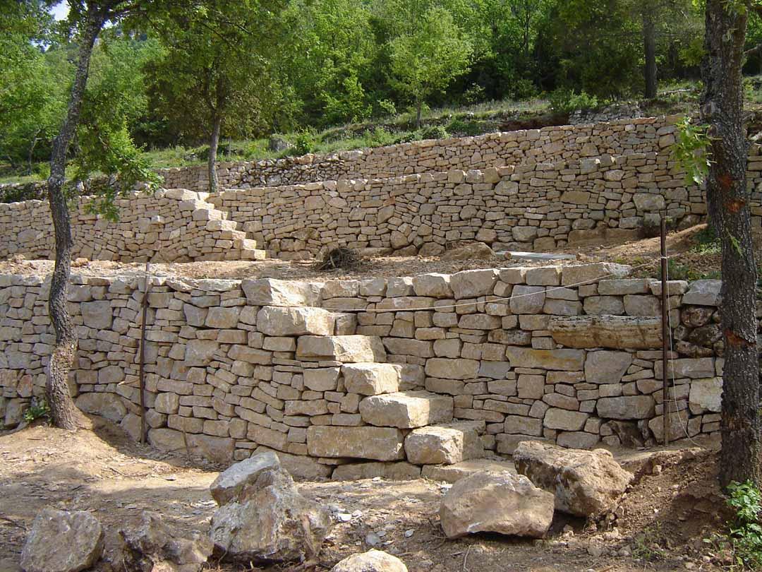 Verdon restauration de terrasses en pierre s che de for Construire un escalier en pierre seche