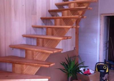depierresetdebois-vans52-sud-ardeche-escalier-finition