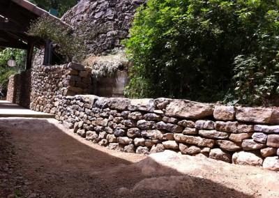 depierresetdebois-vesseaux03-pierre-seche-calcaire-muret