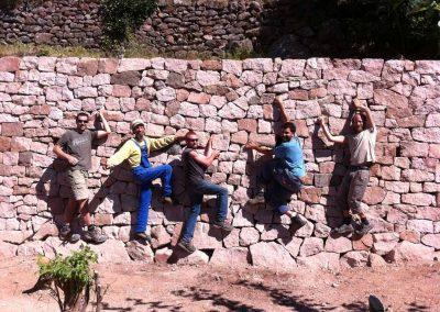 depierresetdebois-10-pierre-seche-mur-parement-ardeche-gres-rose-gens-pierres