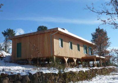 depierresetdebois-21-maison-en-paille-constructeur-ossature-bois-epdm-payzac-ardeche-bardage-vertical