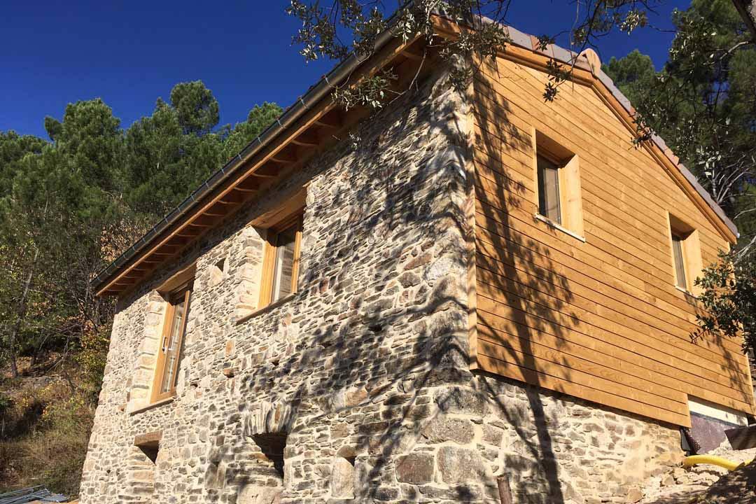 Rénovation pierre et bois maison individuelle - Brahic