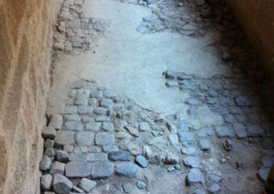 depierresetdebois-joanas02-restauration-patrimoine-renovation-calade-pierre-seche-chateau