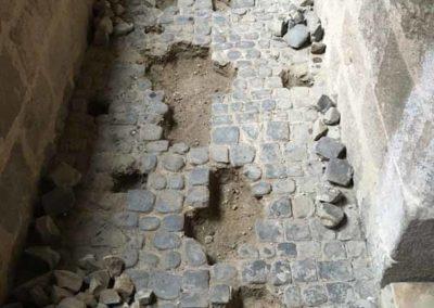depierresetdebois-joanas04-restauration-patrimoine-renovation-calade-pierre-seche-chateau