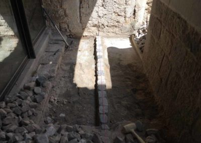 depierresetdebois-joanas05-restauration-patrimoine-renovation-calade-pierre-seche-chateau