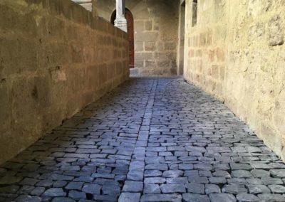 depierresetdebois-joanas08-restauration-patrimoine-renovation-calade-pierre-seche-chateau