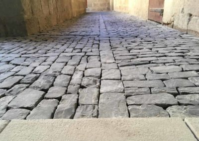 depierresetdebois-joanas09-restauration-patrimoine-renovation-calade-pierre-seche-chateau