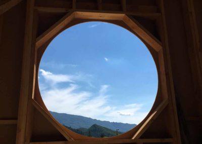 depierresetdebois-saillans04-drome-maison-paille-ossature -bois-charpente-toiture-courbe-fenetre-ronde