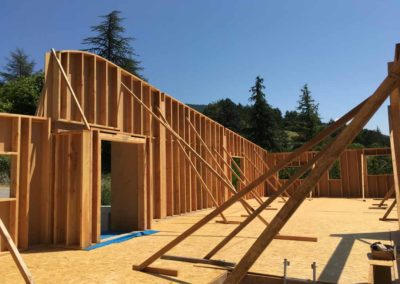 depierresetdebois-saillans05-drome-maison-paille-ossature -bois-charpente-toiture-courbe-