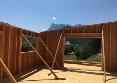 depierresetdebois-saillans06-drome-maison-paille-ossature -bois-charpente-toiture-courbe