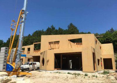 depierresetdebois-saillans08-drome-maison-paille-ossature -bois-charpente-toiture-courbe-batiment-erp