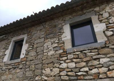 depierresetdebois-gras16-ardeche-rge-renovation-restauration-isolation-menuiserie-bois-etancheité-air-encadrement-pierre