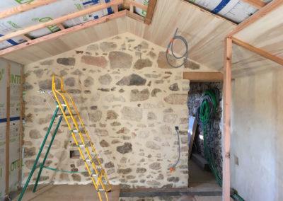 depierresetdebois-ucel98-rge-renovation-restauration-plafond-peuplier-isolation-thermique-rejointoiement