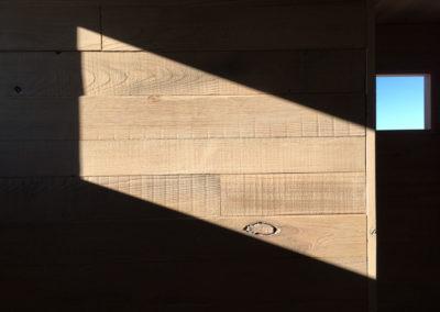 depierresetdebois-ramatuelle13-club55-plage-pampelonne-structure-bois-demontable-chataignier-conception-ecologique