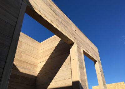 depierresetdebois-ramatuelle16-club55-plage-pampelonne-structure-bois-demontable-chataignier-conception-ecologique