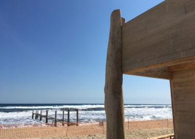 depierresetdebois-ramatuelle17-club55-plage-pampelonne-structure-bois-demontable-chataignier-conception-ecologique-ponton-mer