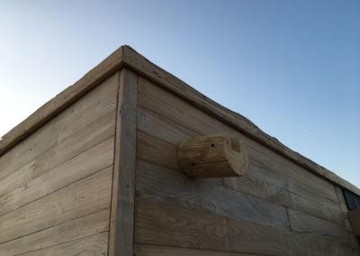 depierresetdebois-ramatuelle37-club55-plage-pampelonne-structure-bois-demontable-chataignier-conception-ecologique-gouttiere